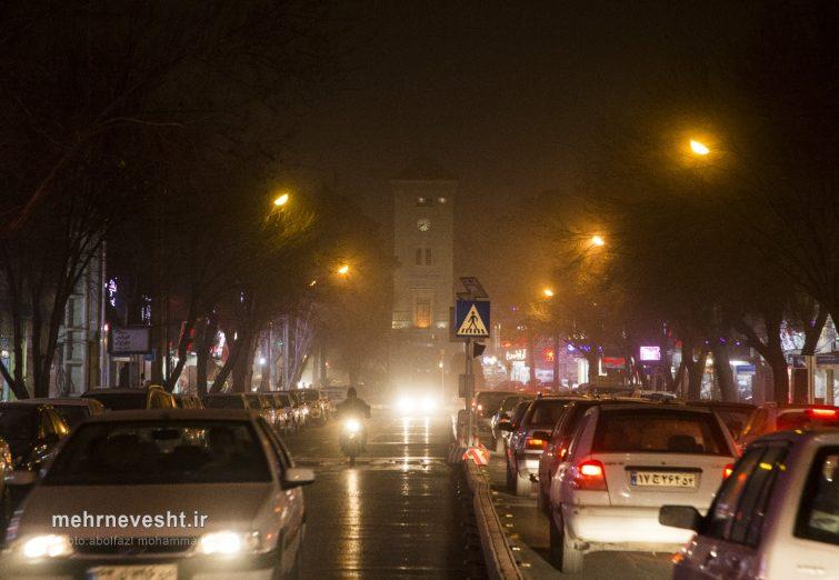 طوفان همراه با گرد و غبار در یزد